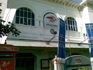 Kantor pos di sebelah BI