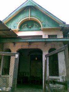 Salah satu rumah di Kauman, Jl. Akhmad Dahlan, arsitekturnya unik..